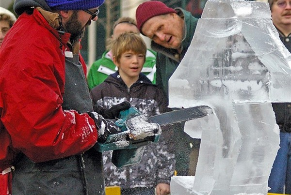 Christmas Holiday Ice Sculpture Chicago Live Demo