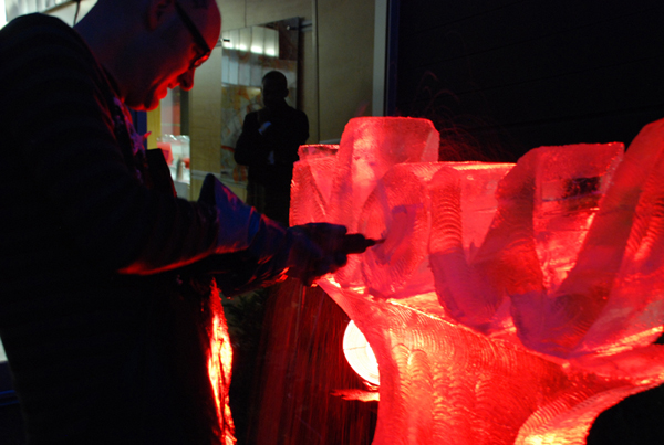 Chicago Now Live Ice Sculpture Carving Demo